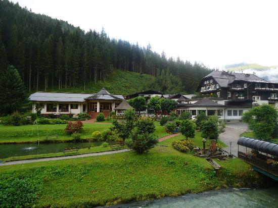 Hoteldorf Gruner Baum: View of the hotel