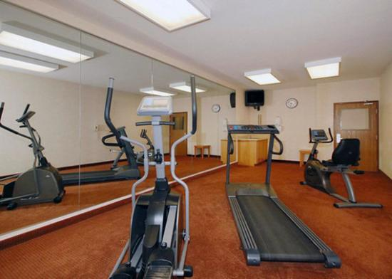 Sleep Inn &amp; Suites Lake of the Ozarks: exercise room