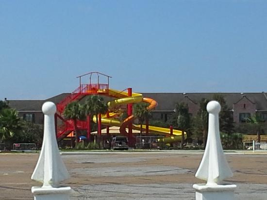 Seven Clans Hotel: construction of water slides
