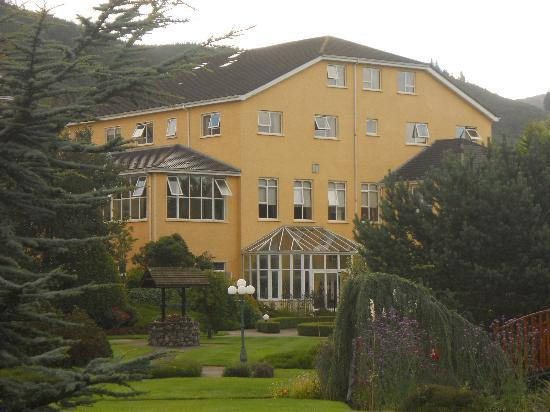 Carrickdale Hotel: View of gardens