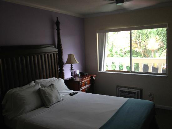 Cheston House Gay Resort: clean rooms