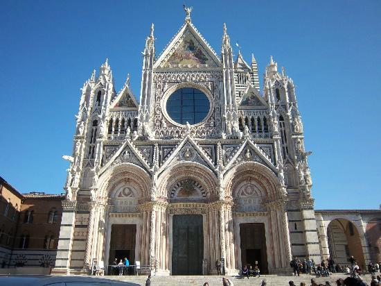 the Amazing Duomo of Siena  - Hotel Borgo Grondaie Siena