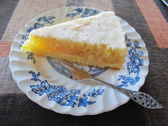 Omburo Ost Farm: pineapple cake for tea