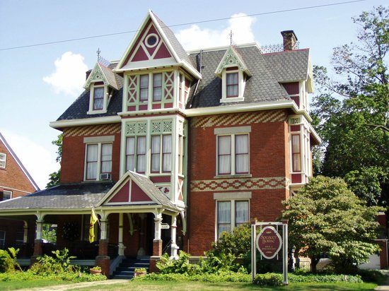Spencer house bed and breakfast erie pa b b reviews for A bed and breakfast