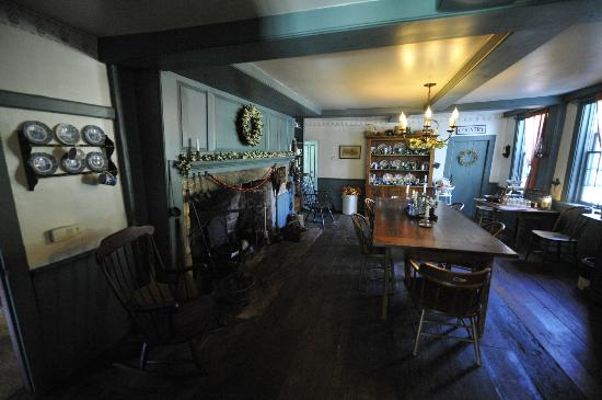 Inn at Lower Farm Bed and Breakfast: Dining room where breakfast is served