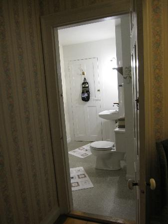 Captain Swift Inn: Bathroom in Swift Room