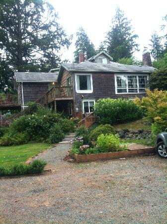 The Nehalem River Inn