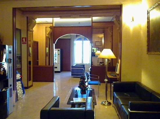 Photo of Hotel Toledano and Hostal R. Capitol Barcelona