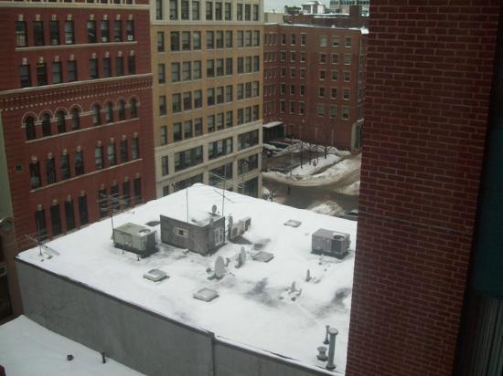 Onyx Hotel - a Kimpton Hotel: Not a spectacular view, but the rooms were comfortable