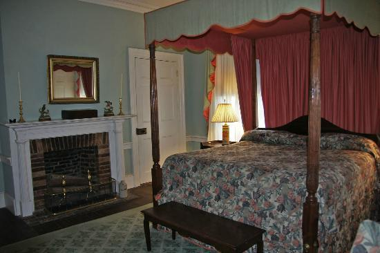 Linden: the historic bedroom