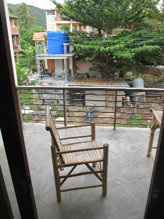 Samatha Bed & Breakfast: the comfy balcony furniture