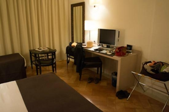 L'ea Bianca Luxury Resort: Desk