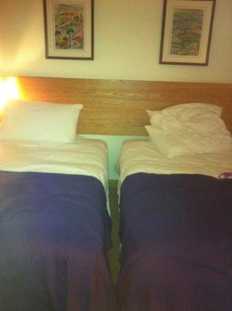 Edde Sands Resort: bed in junior suite: horrible