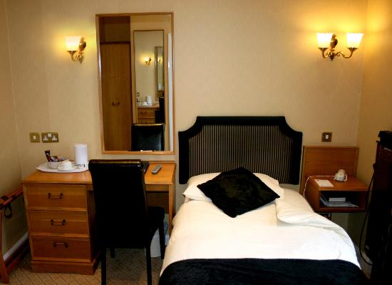 Cairndale Hotel &amp; Leisure Club: Classic Single Room