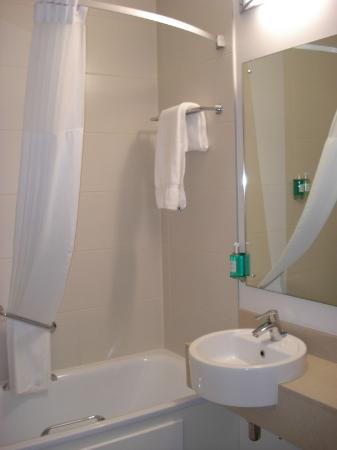 Jurys Inn London Islington: Banheiro