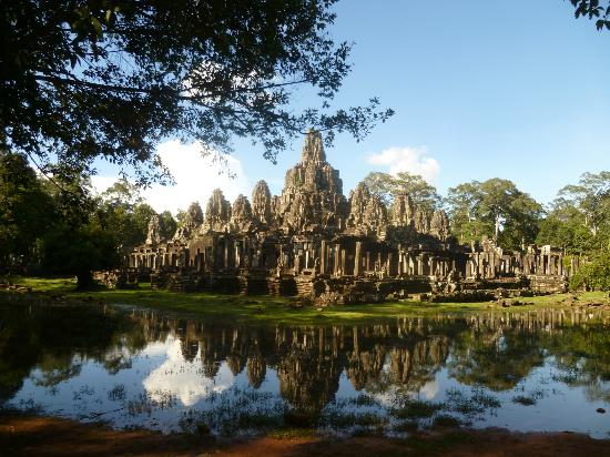http://media-cdn.tripadvisor.com/media/photo-s/02/ce/5e/4f/bayon-temple.jpg