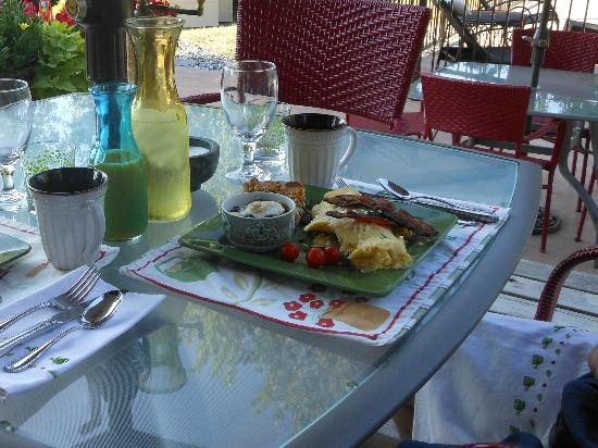 Camille's Haus: another yummy breakfast