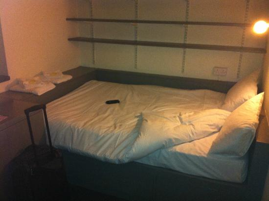 Corrib Village: Bed