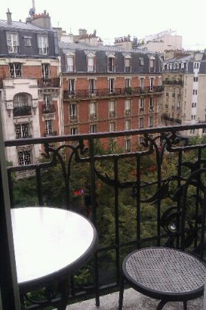 Hotel Convention Montparnasse: View from room 504 (28 Aug 2012)