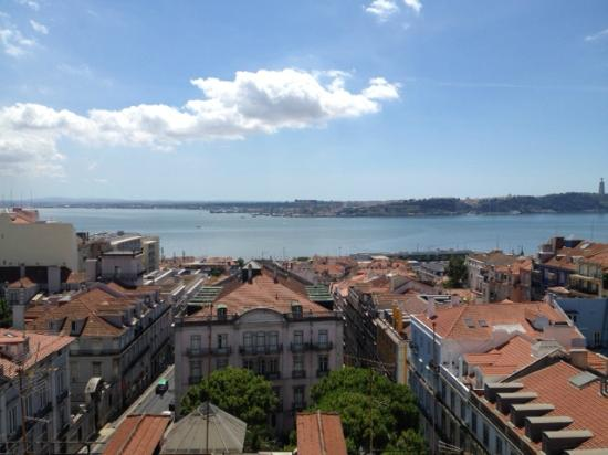 Bairro Alto Hotel: View from the terrace