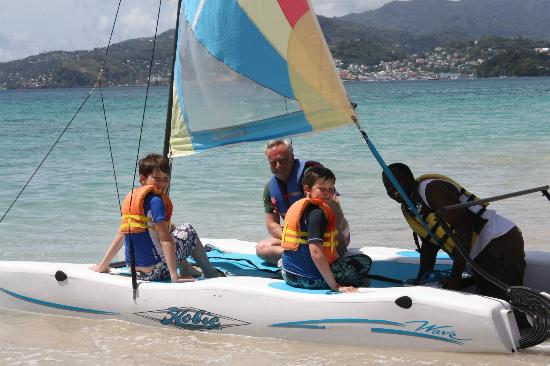 Mount Cinnamon Grenada: Kids off for a sail