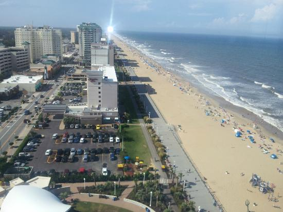 Hilton Virginia Beach Oceanfront: Beach