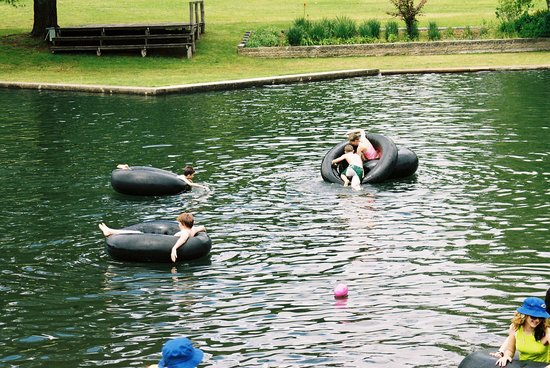 Fonty's Pool and Caravan Park
