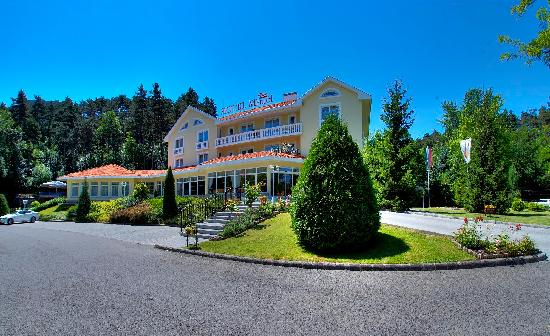 Villa Medici Hotel & Restaurant
