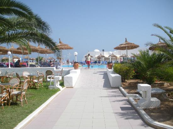 CLUB CALIMERA Yati Beach: Piscine vue du bar