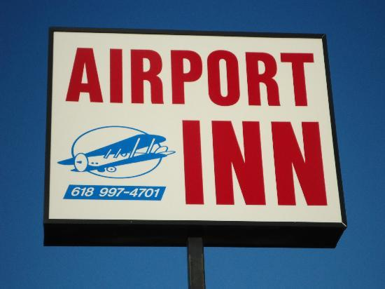 Marion Airport Inn & Suites: sign