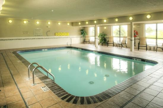 Holiday Inn Express: Swimming Pool