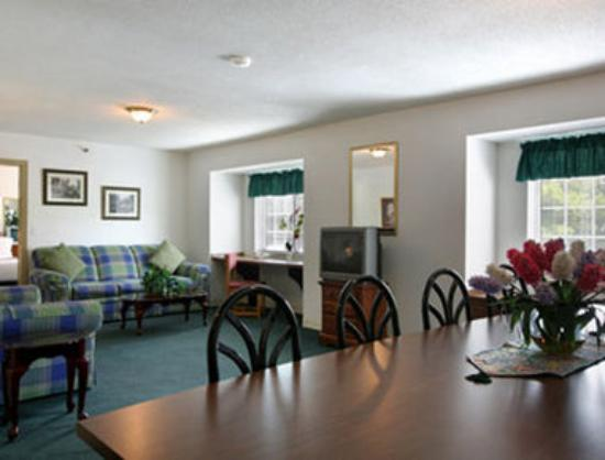 BEST WESTERN PLUS Elizabeth City Inn & Suites: Presidential Suite