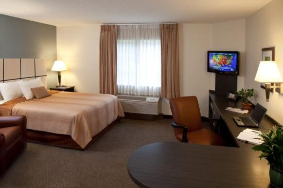 Candlewood Suites Orange County/Airport: Single Bed Guest Room
