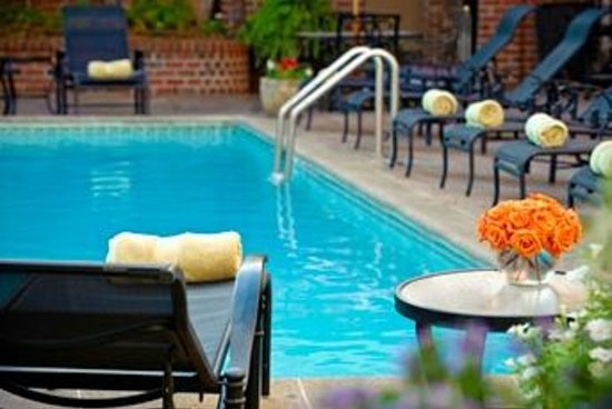 ‪‪Four Points By Sheraton French Quarter‬: Pool‬