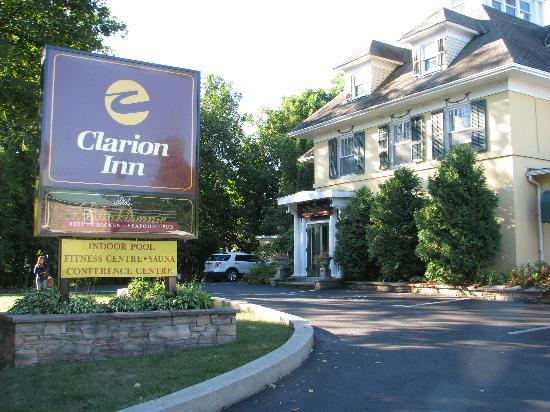 Clarion Inn and Conference Center Gananoque: Clarion Inn, Gananoque, ON.