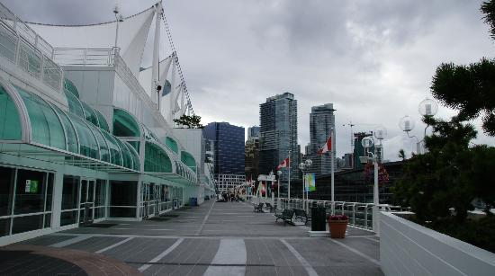 Vancouver Hotels Near Convention Center