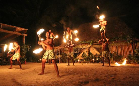 Robinson Crusoe Island Resort: The final fire dance performance