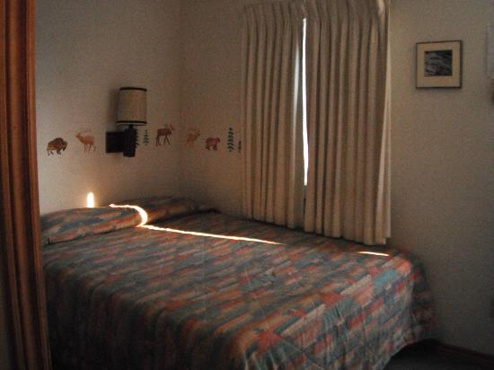 Hillcrest Cottages: Room Inside