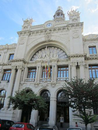 Central post office edificio de correos y telegrafos for Horario oficina de correos valencia