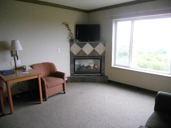 Comfort Inn and Suites: Living room corner