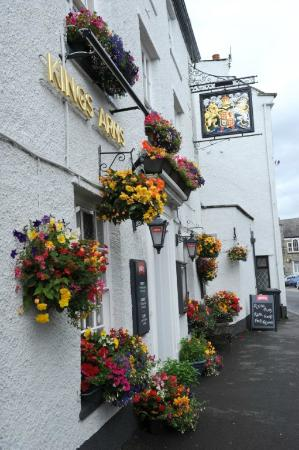 Burton in Kendal, UK: Kings Arms Signage