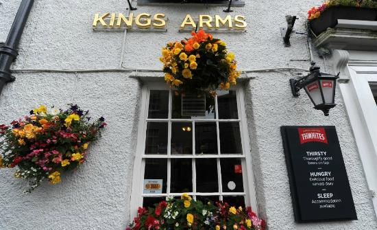 Burton in Kendal, UK: Kings Arms Welcome