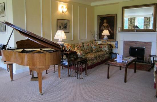 Cavens Country House Hotel: Cavens house lounge