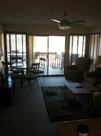 Southwood Shores Resort Condominiums: living room looking out to deck