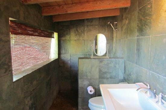Spyglass Maui Rentals: Bathroom that goes with Yoga Studio room