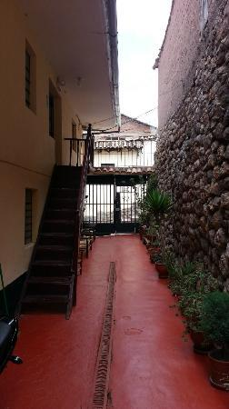 Hostal Buena Vista - Cusco: View of Entry from Kitchen