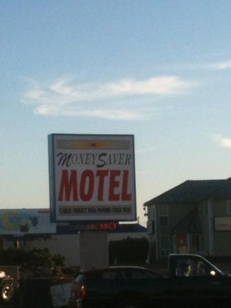 Money Saver Motel: should be called money saver not!!