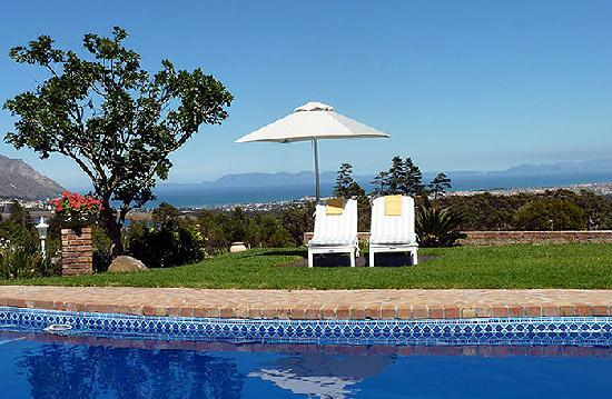 Apricot Garden Guesthouse: View over False Bay