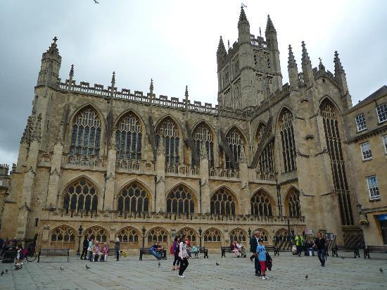 Oldfields House: Bath Abbey
