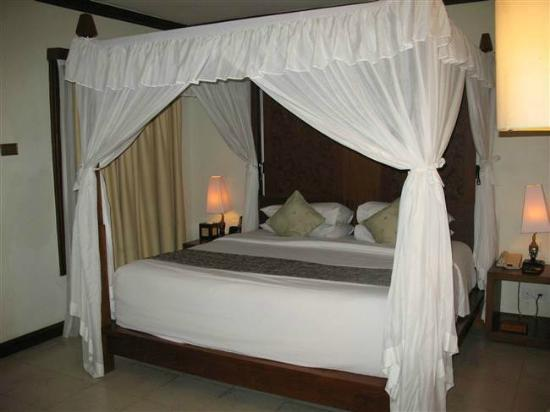Kuta Seaview Boutique Resort & Spa: Cottage Bedroom